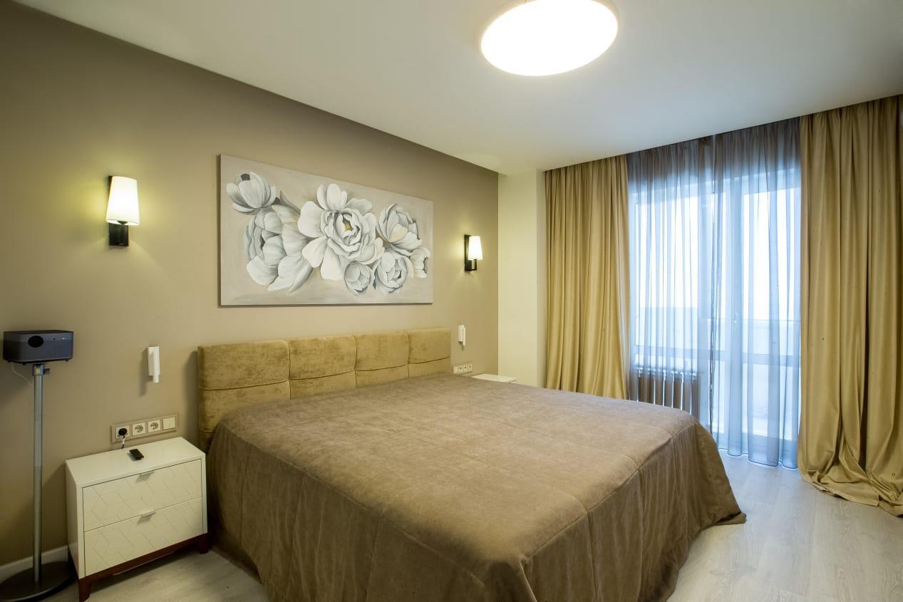 Спальня выполнена по дизайн проекту