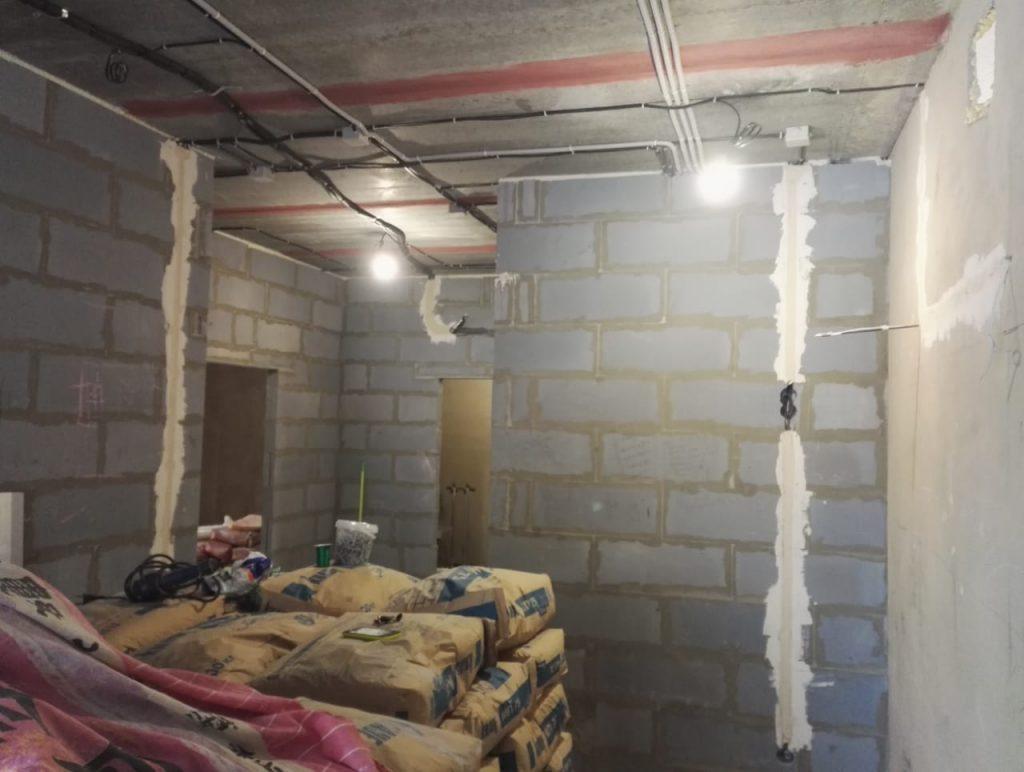 Подготовка к оштукатуриванию стен.